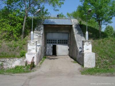 Грузовой вход в техническое здание. В последние годы
