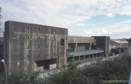 База-бункер немецких подводных лодок в БРЕСТЕ