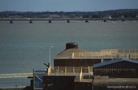 База-бункер немецких подводных лодок в СЕН-НАЗЕР