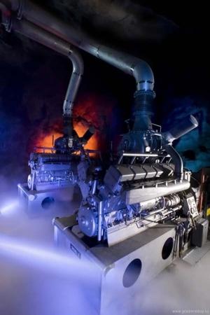 два дизельных двигателя Maybach MTU