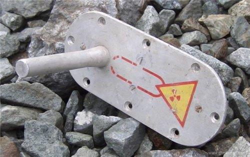 Датчик обледенения типа РИО-3 - Содержит источник на основе стронция-90