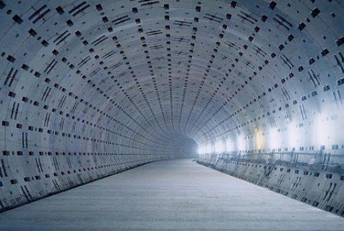 Тоннель метро под р. Фурукава в г. Токио