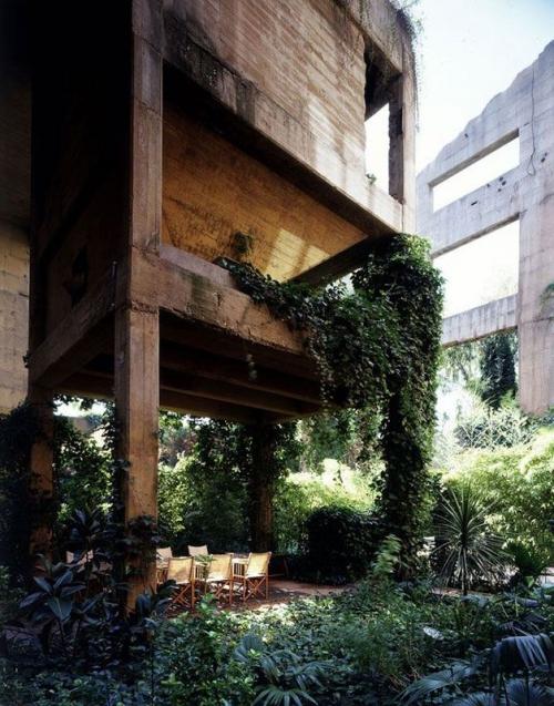 Элитный дом в заброшенном цементном заводе