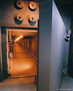 """25-тонные ворота бункера курорта """"Гринбрайер"""""""
