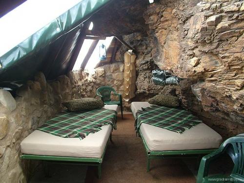 Пещерный отель Makkedaat Cave