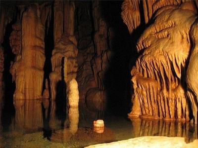 Карстовая пещера