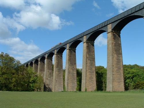 Водная прогулка на высоте 38 метров по акведуку Понткисиллте