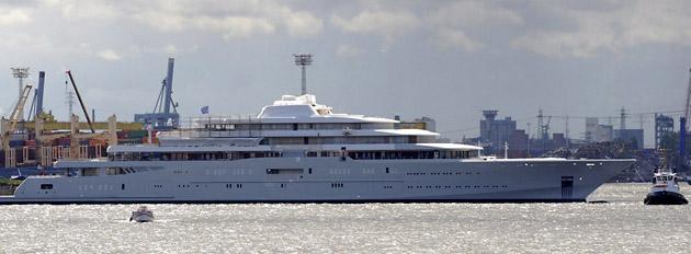 яхта  под названием «Eclipse» («Затмение»)