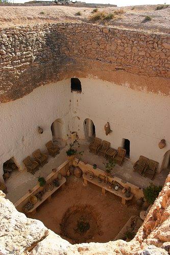 Cave Hotel, Ruhaibayt