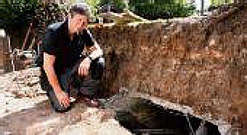 Бункер в саду в Западной Бриджфорд