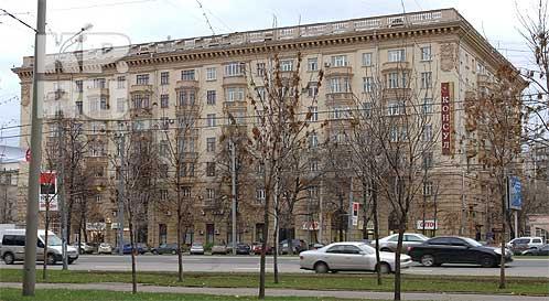 В Москве дом  проваливается в секретный бункер