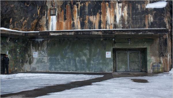 Министерство обороны Швейцарии сдают в аренду подземные бункеры