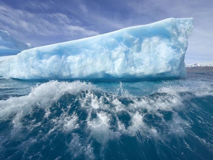 Тающий лед Гренландии