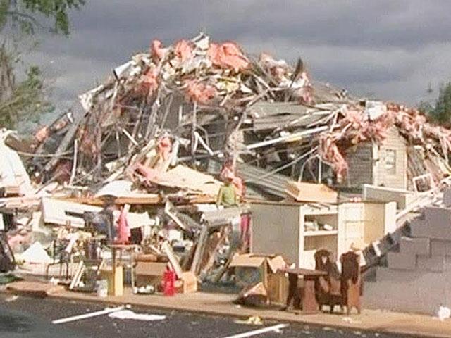 Американские власти подсчитывали убытки от торнадо