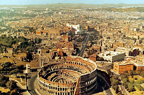 Итальянцы бегут из Рима, опасаясь землетрясения