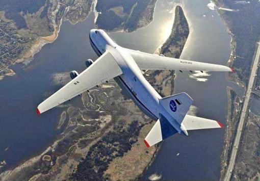 группировка сверхзвуковых сверхтяжелых военно-транспортных самолетов беспрецедентной грузоподъемностью до 200 тонн