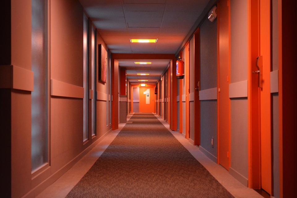 hotel-575085_960_720